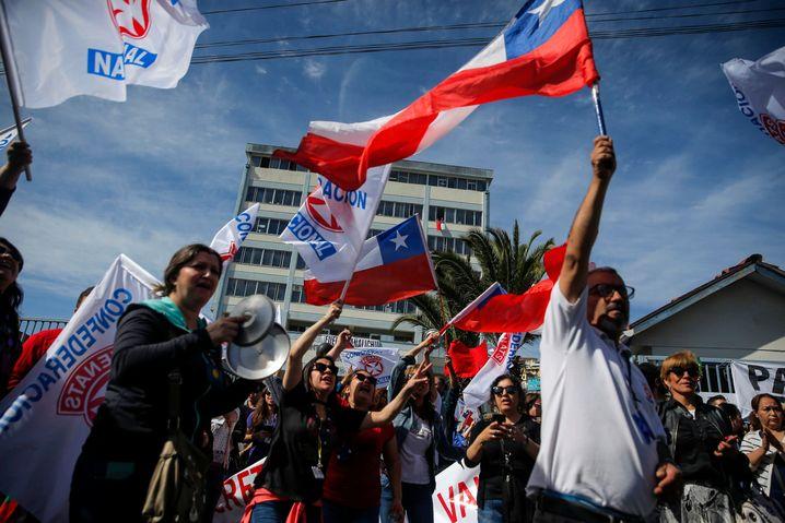 Protest in Valparaiso: Alle Schichten und Altersgruppen zieht es auf die Straße