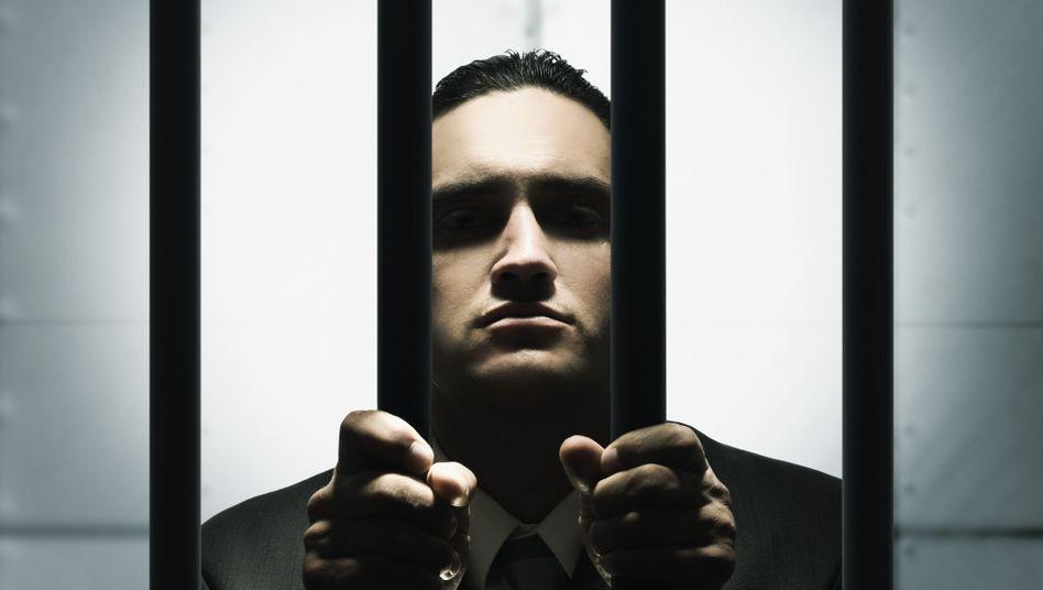 Hinter Gittern: Führen Medikamente dazu, dass Menschen weniger Straftaten begehen?