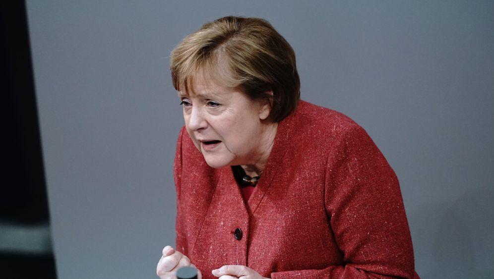 Kanzlerin Merkel:Mal bühnenreife Auftritte, mal Übungen in Zurückhaltung – Redner offenbaren sich selbst
