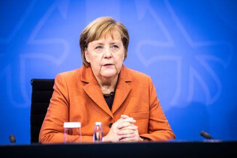 Angela Merkel bei der Verkündung der schärferen Maßnahmen