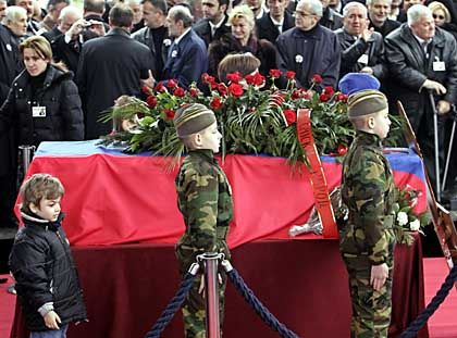 Milosevic Begräbnis: Die so genannte Welt ist keine Welt - sagt der so genannte Handke.