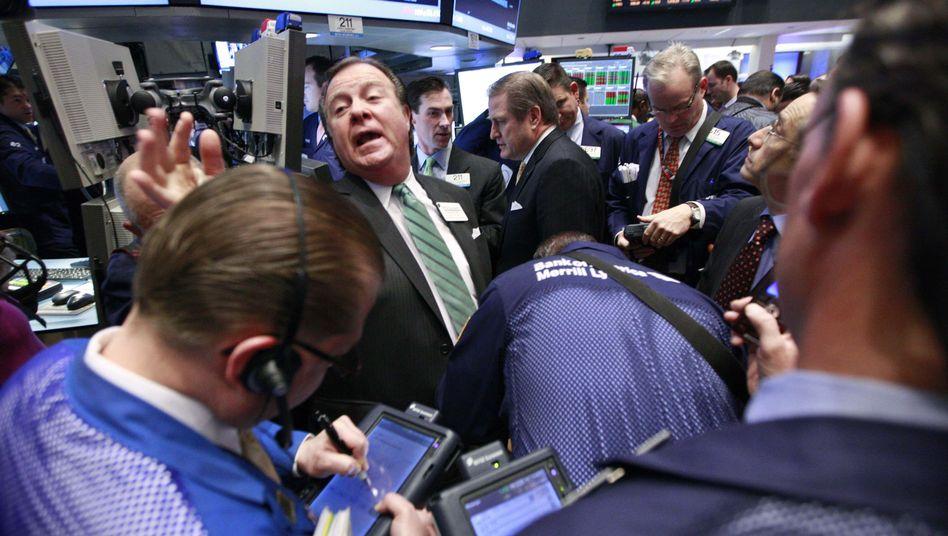Händler an der Wall Street: Billion-Schirm soll die Märkte beruhigen