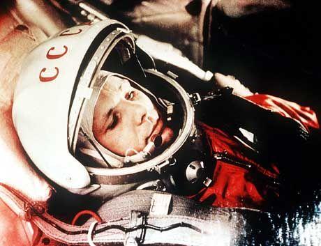 """""""Auf geht's!"""": Jurij Gagarin kurz vor dem Start ins All"""