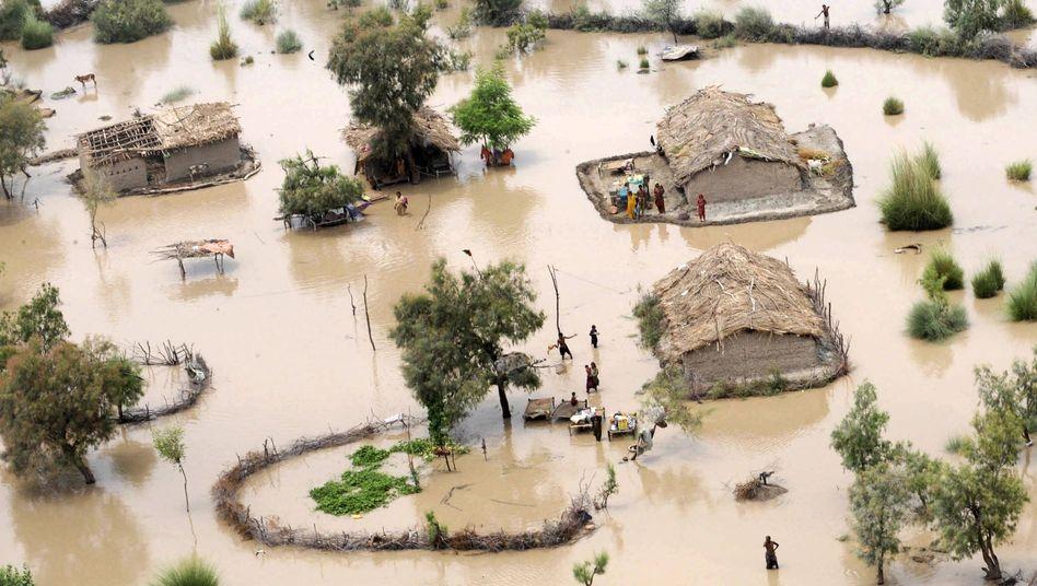 Flut in Pakistan (Archiv): Werden Wetterextreme zur Normalität?