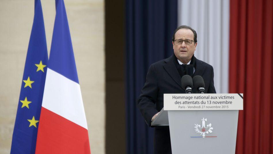 """Präsident Hollande vor dem Invalidendom: """"Der Tag, den wir nie vergessen werden"""""""
