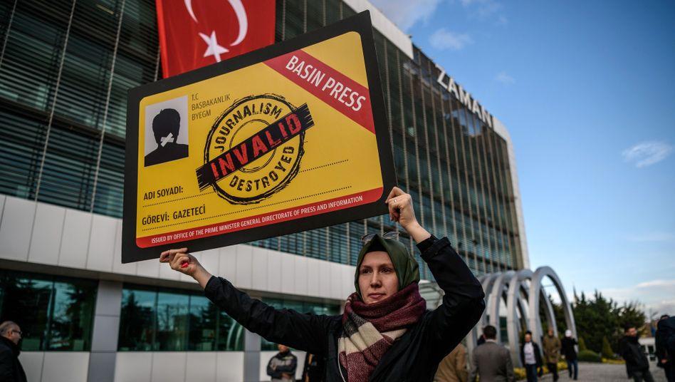 Demonstrantin in Istanbul