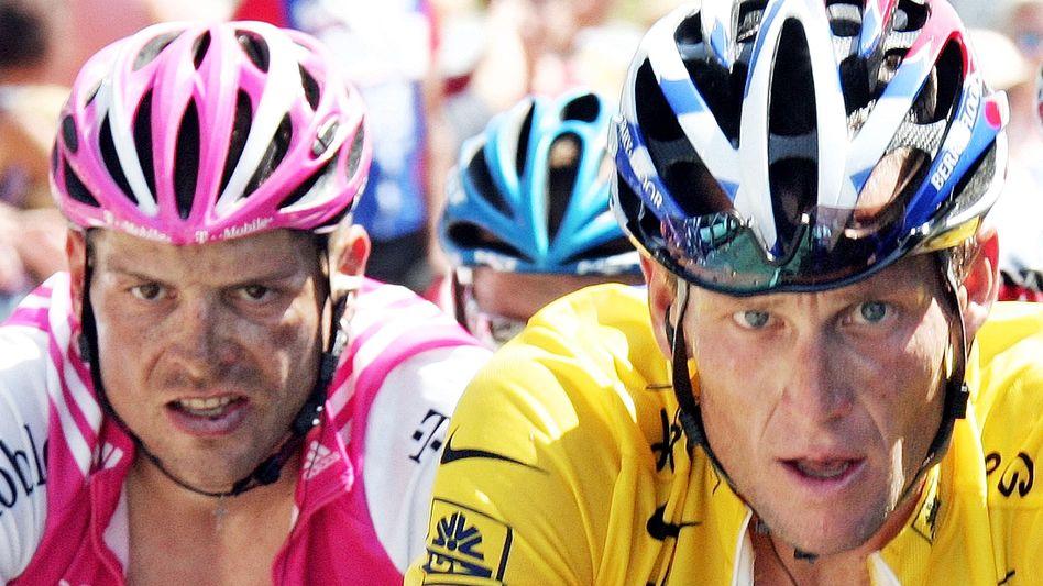 """Kontrahenten Ullrich (l.), Armstrong (2004): """"Top Ten dürften alle gedopt gewesen sein"""""""