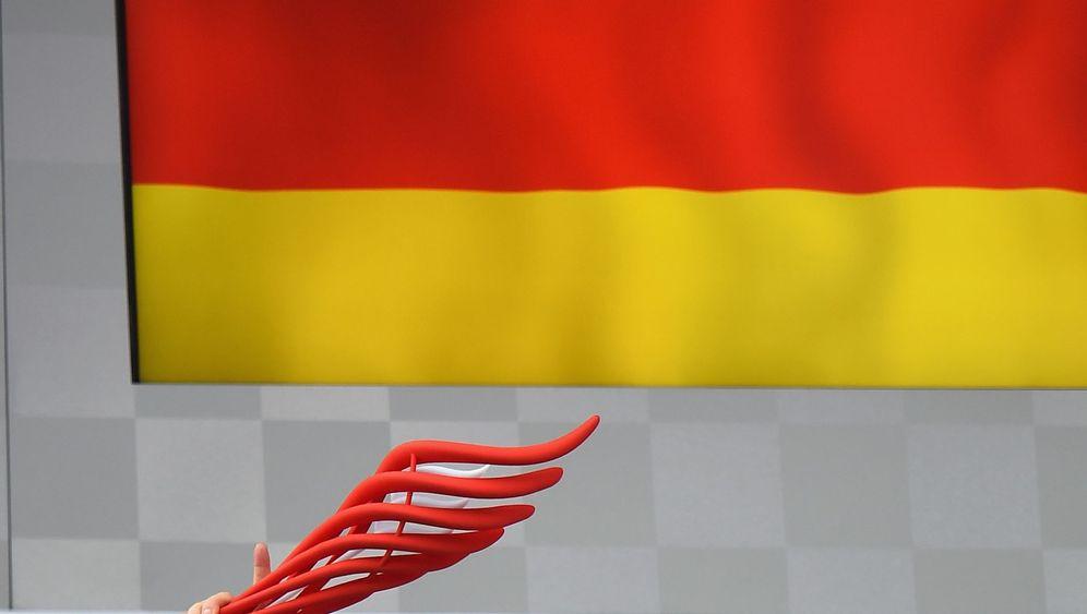 Großer Preis von Deutschland: Massa crasht, Kvyat fängt Feuer, Rosberg siegt