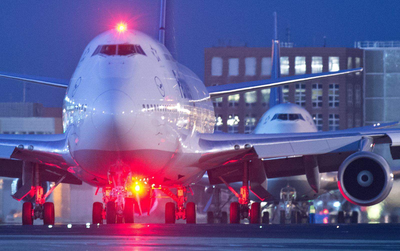 Nachteinsatz auf dem Flughafen