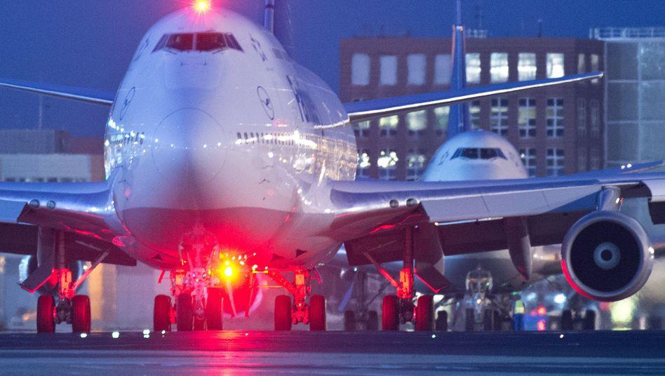 Flughafen in Frankfurt am Main: USA speichern jahrelang sensible Daten über Reisende