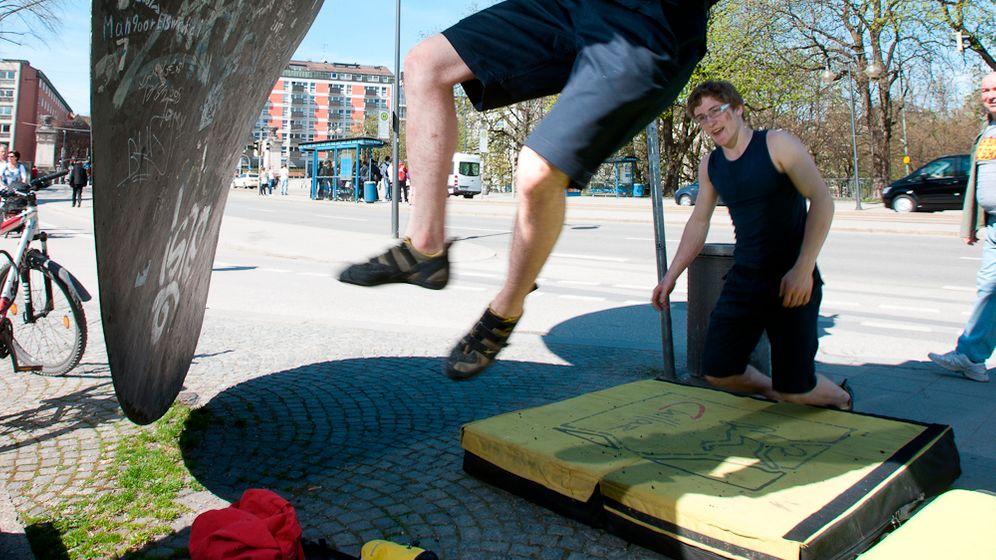 München: Freeclimber in der Stadt