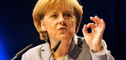"""Merkel in Kiel: """"Ohne Prüfung ist Hilfe nicht möglich"""""""