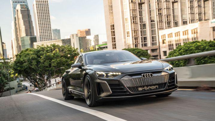 Autogramm Audi E-Tron GT Concept: Elektrisch auf große Fahrt