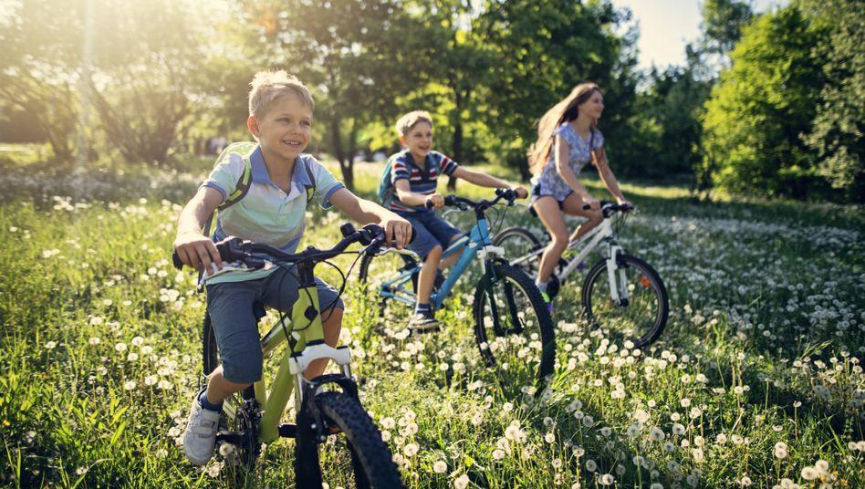 Spaß im Freien: Die meisten Kinder dürfen selbst entscheiden, was sie in ihrer Freizeit machen
