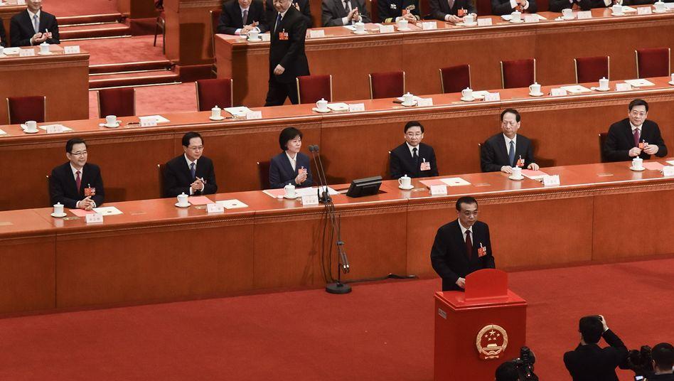 Li Keqiang beim Volkskongress in Peking