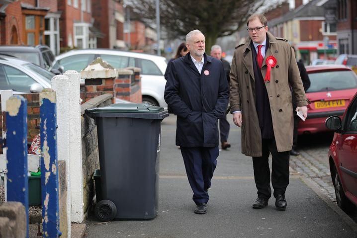 Corbyn, Kandidat Gareth Snell
