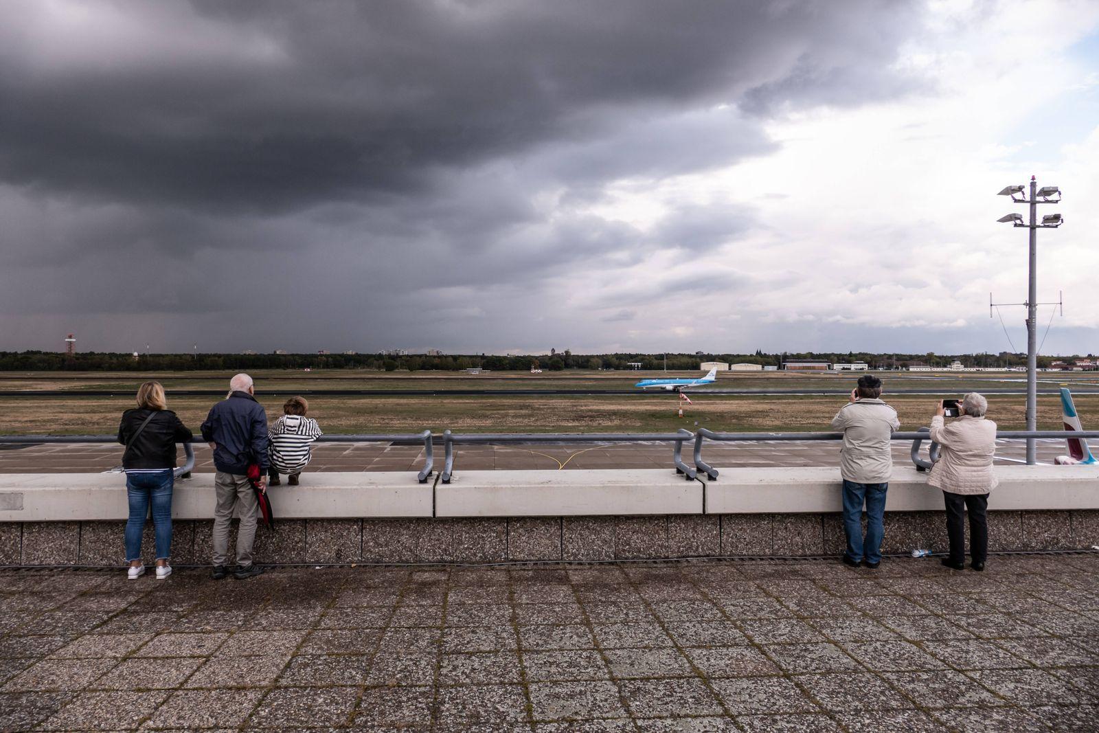 07.10.2020,Berlin,Deutschland,GER,Flughafen Berlin-Tegel Otto Lilienthal TXL. Besucherterrasse *** 07 10 2020,Berlin,Ger