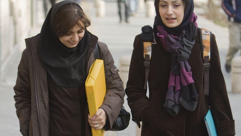 Iranische Studentinnen: In manchen Fächern unerwünscht