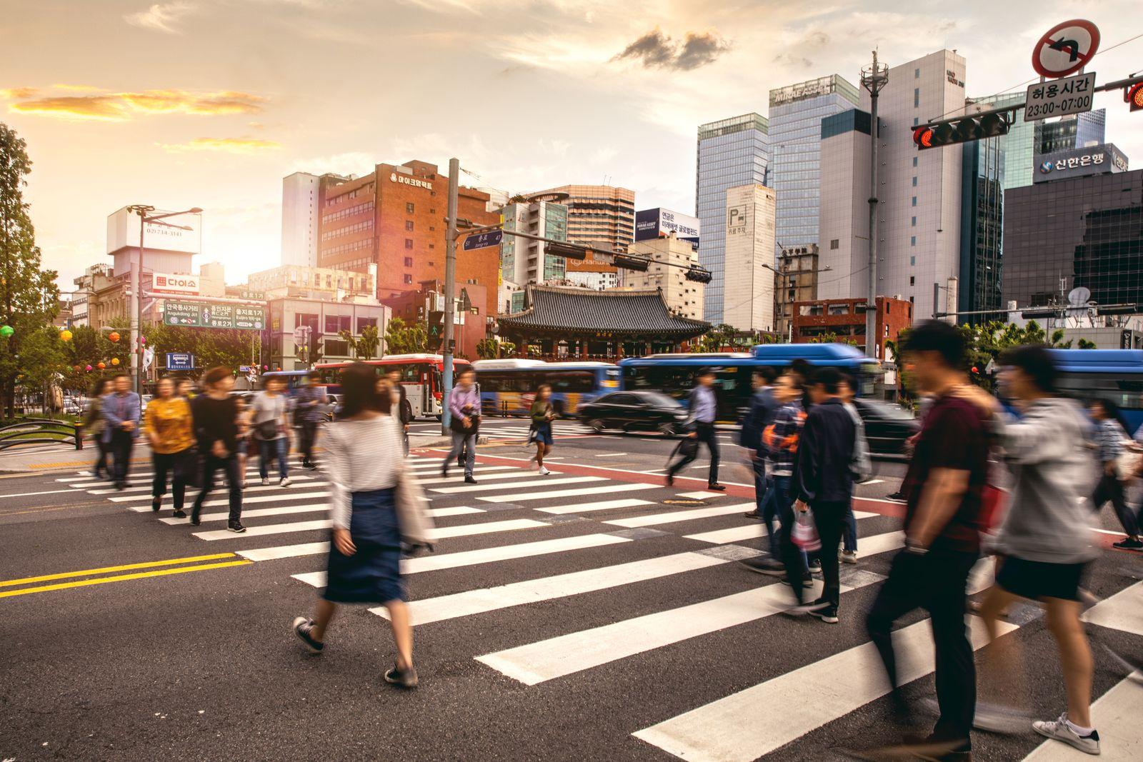 EINMALIGE VERWENDUNG Seoul downtown/ Verkehr