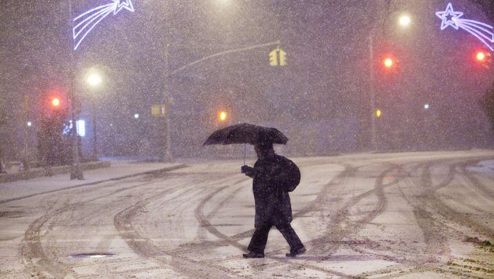 60 Zentimeter Neuschnee: Extreme Wetterlage über Boston und New York