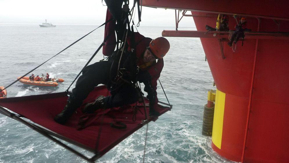 Protest auf See: Aktivisten entern Ölbohrplattform