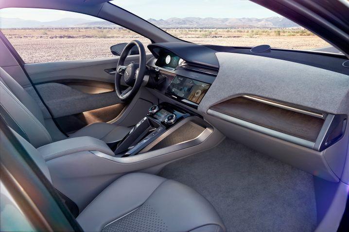 Knopf adé: Sensorfelder und Touchscreens dominieren das Cockpit.