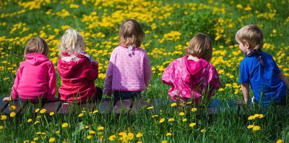 Kinder in einer Tagesstätte: Gute Sprachkenntnisse fördern die soziale Kompetenz