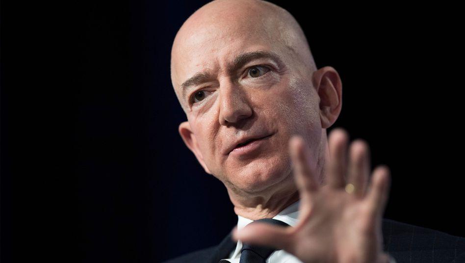 Amazon-Chef Jeff Bezos (Archivbild) spart nicht mit Kritik an Trump