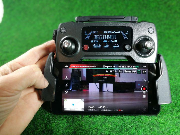 DJI-Fernsteuerung mit Smartphone