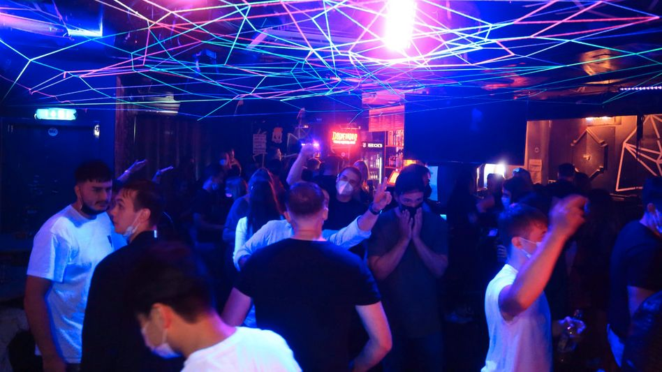 2G-Party in Hamburg (Symbolbild)