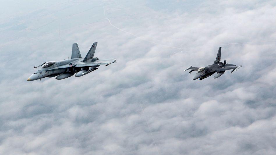 Kanadische und portugiesische Patrouille über der Ostsee: Täglich bis zu 30 russische Militärflugzeuge abgefangen