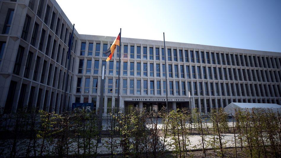 Bundesinnenministerium im Sonnenschein