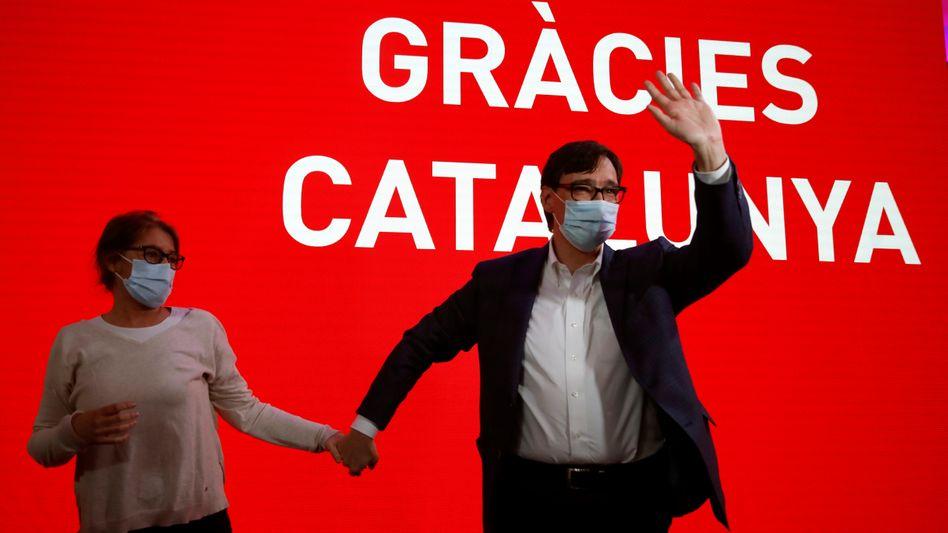 Sozialist Salvador Illa und seine Frau Marta Estruch: Die meisten Stimmen, aber keine Mehrheit in Sicht