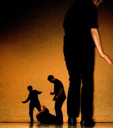 Szenenfoto Impure Company: Aufgeladene Choreografien