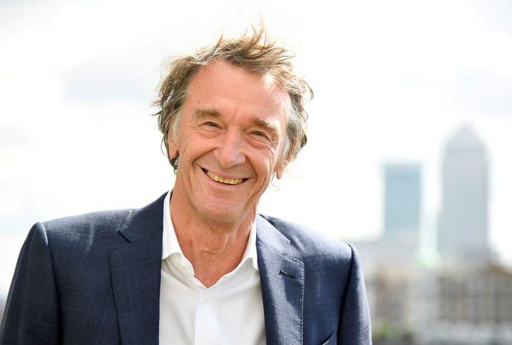 Jim Ratcliffe ist Chemieingenieur, Gründer und CEO von Ineos. Weil dies zur Folge hatte, dass Ratcliffe zudem einer der reichsten Menschen Englands ist, konnte er sich ein Radsportteam leisten.