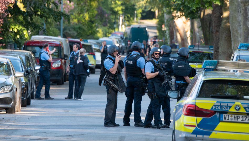 Polizisten in Darmstadt-Kranichstein: Drei Verletzte, drei Festnahmen