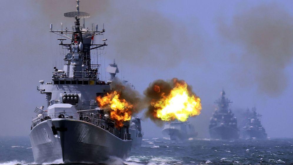 Fotostrecke: Waffenschau im Mittelmeer