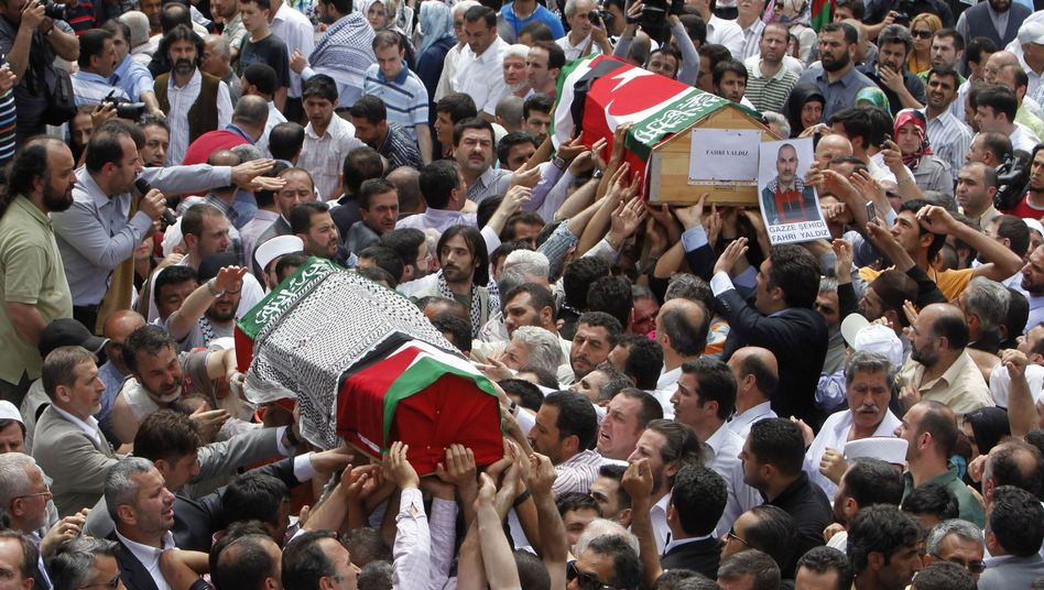 """Letzte Ehre für die Gaza-Aktivisten: """"Euer Märtyrertum sei gesegnet"""""""