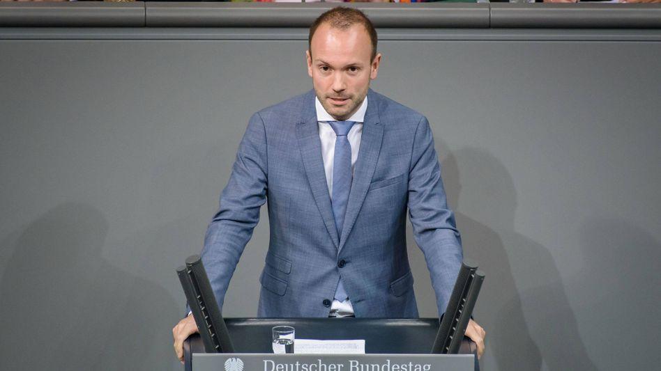 Abgeordneter Nikolas Löbel im Bundestag (2019): Kaufverträge über Corona-Schutzmasken vermittelt