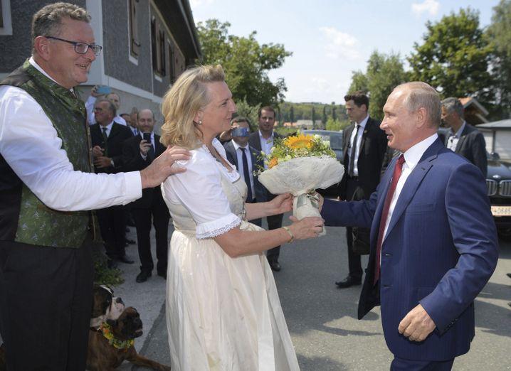 Kneissl, Putin (r.)