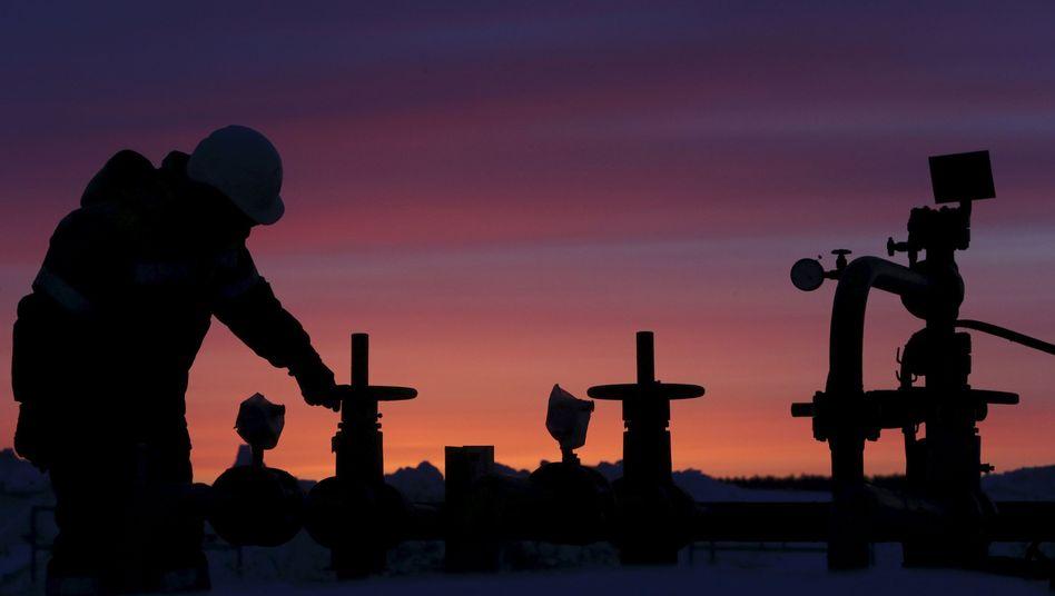 Ölfeld in Russland (Archivfoto): Niedrige Investitionen könnten Preise steigen lassen
