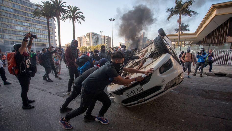 Aufstand in Chile: Gewaltsame Proteste stören Auftakt von Musikfestival