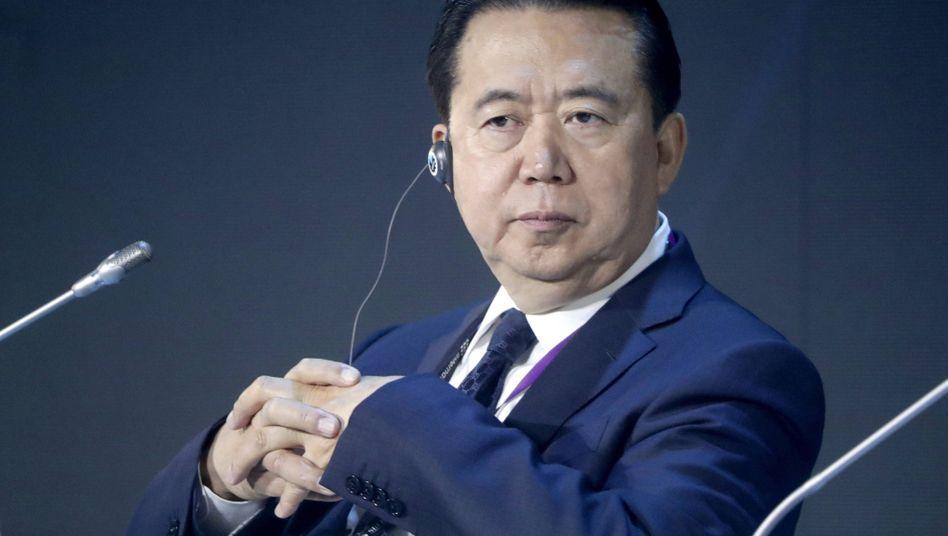 Korruptionsprozess: Ex-Interpol-Chef Meng in China zu langer Haftstrafe verurteilt - DER SPIEGEL
