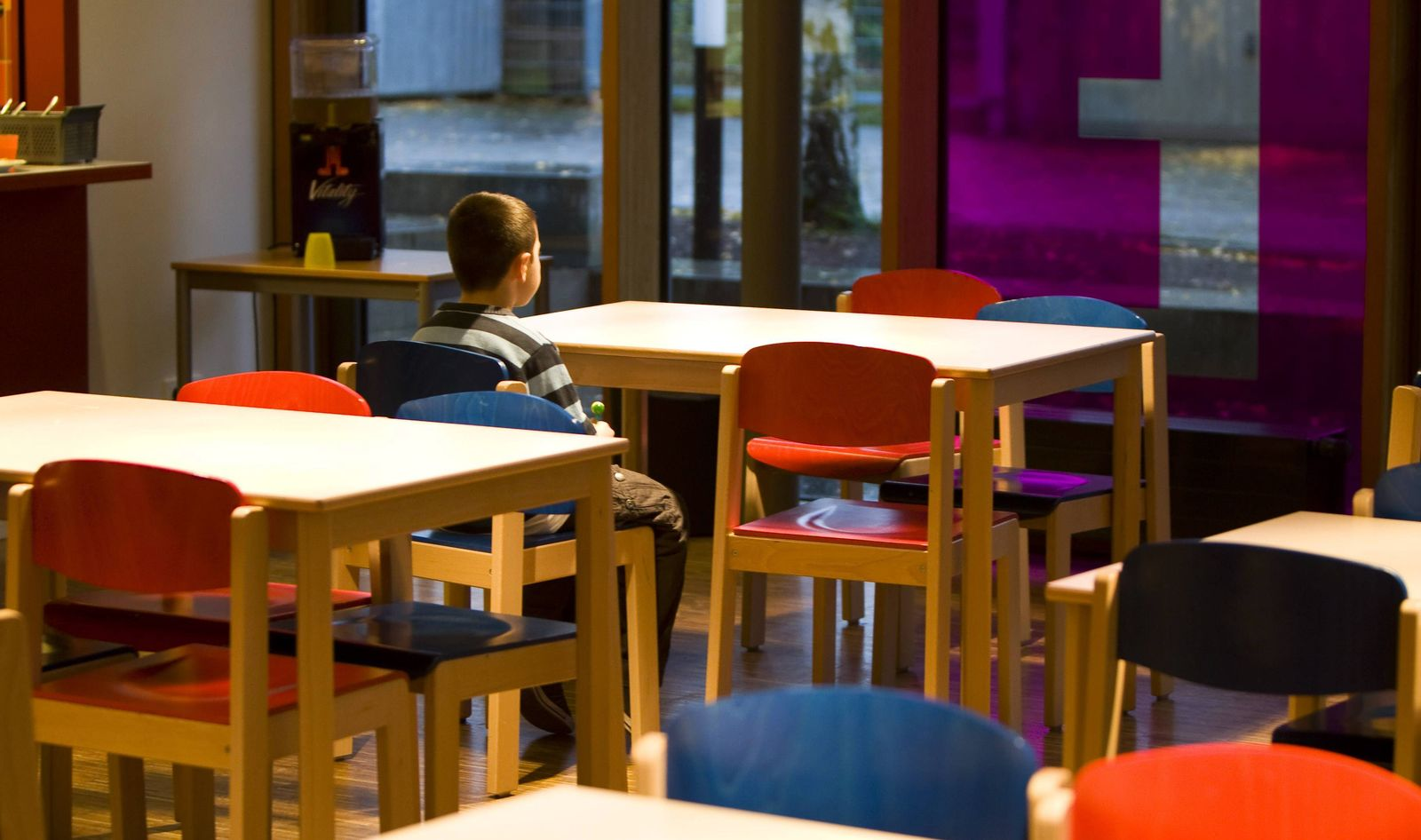 EINMALIGE VERWENDUNG Armut / Kinderarmut / Kinderclub Die Arche