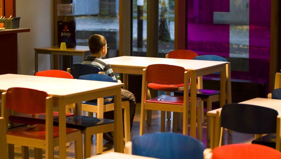Junge in sozialer Einrichtung in Hamburg: Drei von vier armen Kindern fahren nie in Urlaub