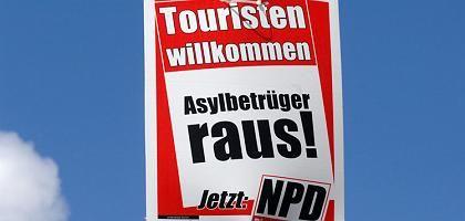 NPD-Plakat in Mecklenburg-Vorpommern: Simple Gleichung, erschreckende Prognose