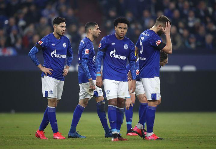 Suat Serdar (l.) und Weston McKennie (2.v.l.) könnten Schalke bald zu teuer sein