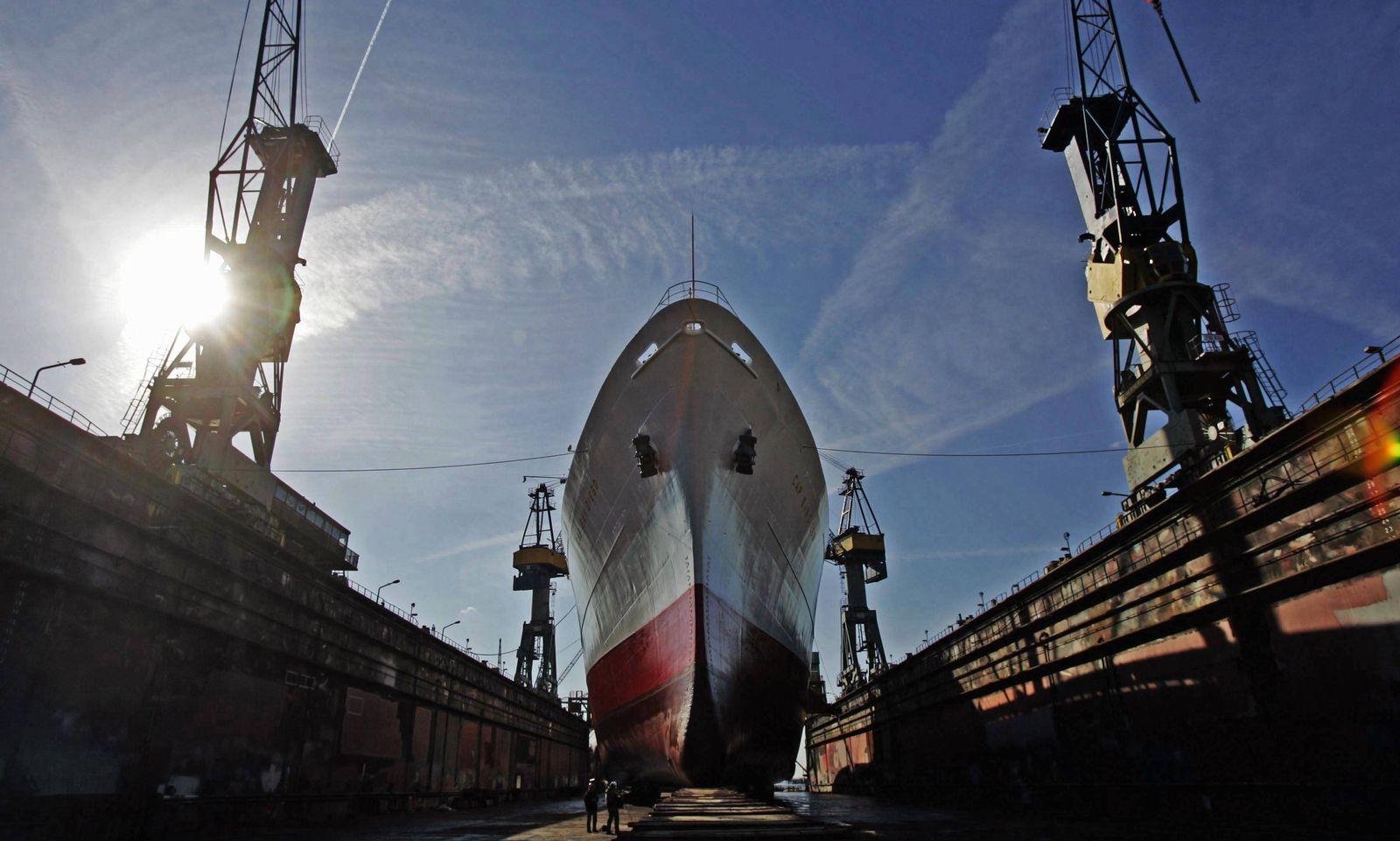 NICHT VERWENDEN ThyssenKrupp verkauft Teile von Hamburger Werften an Araber