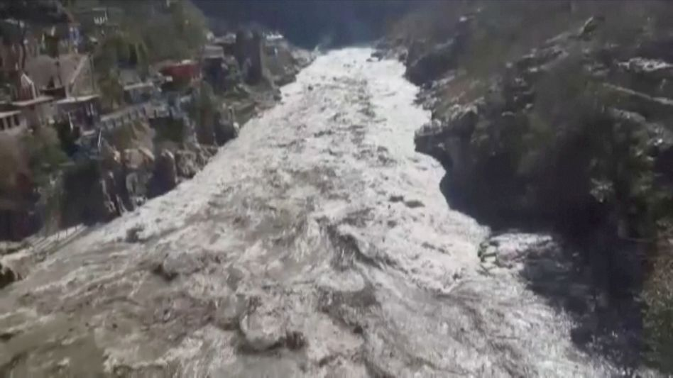 Der abgerutschte Gletscher löste eine Sturzflut im Norden Indiens aus