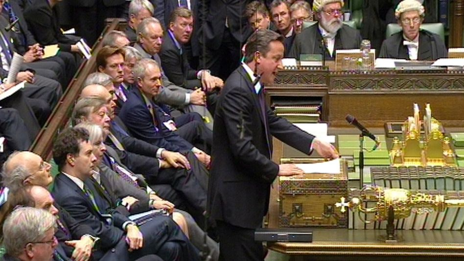 British Prime Minister David Cameron addressed the House of Commons on Monday to defend his decision to veto a tighter EU fiscal union.
